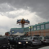 Photo taken at La Grande Mela Shoppingland by Mitch on 9/1/2012
