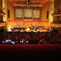 6/22/2012 tarihinde Chrissy M.ziyaretçi tarafından Symphony Hall'de çekilen fotoğraf