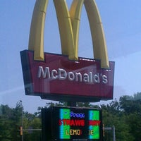Photo taken at McDonald's by JOSHUA 🇺🇸 J. on 7/7/2012
