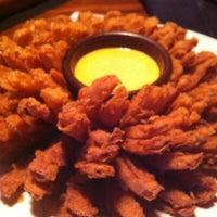 Foto tirada no(a) Outback Steakhouse por Liane S. em 9/1/2012