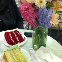 Photo taken at Magnolia Bakery by Steve Scott S. on 3/1/2012