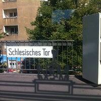 Photo taken at U Schlesisches Tor by Susann H. on 8/23/2012