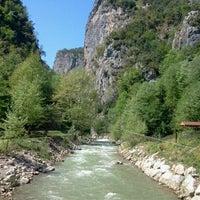 Photo taken at Yeşil Vadi Restaurant by Firat I. on 4/29/2012