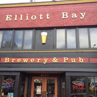 Foto scattata a Elliott Bay Brewery and Pub da Craig S. il 6/16/2012