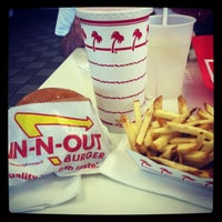 Photo taken at In-N-Out Burger by Taryn on 6/22/2012