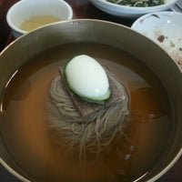 Photo taken at 강서면옥 by Yongchul S. on 8/29/2012