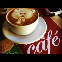 Photo taken at Con Sabor a Café by Denisse R. on 8/25/2012