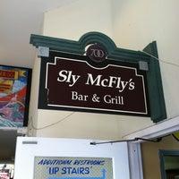 Das Foto wurde bei Sly McFly's von Ronald J. am 4/15/2012 aufgenommen