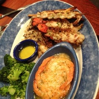 Photo taken at Red Lobster by Sandrax L. on 5/11/2012