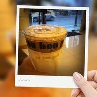 Photo taken at Au Bon Pain by Ki Ki Y. on 4/25/2012