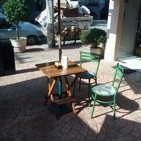 Foto diambil di Café Amigo oleh Wagner T. pada 5/16/2012
