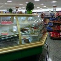 Foto tirada no(a) Sonda Supermercado por Luciana A. em 8/19/2012