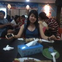 Photo taken at Warung Katherine Sumatran Food by Citra D. on 8/21/2012