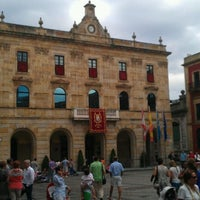 Photo taken at Plaza Mayor by Anchel L. on 8/11/2012