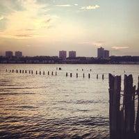 Das Foto wurde bei Riverside Park South von Olga M. am 8/5/2012 aufgenommen