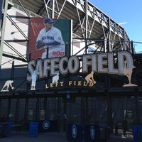 Foto tirada no(a) Safeco Field por Sterling S. em 8/31/2012