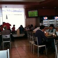 Foto tomada en Burger King por Samuel B. el 6/27/2012