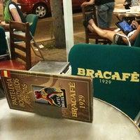Foto tomada en Bracafé por F Y. el 6/20/2012