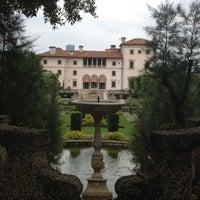 Foto tomada en Vizcaya Museum and Gardens por Sabdy P. el 5/31/2012