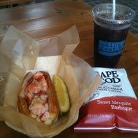 Photo taken at Luke's Lobster | Bethesda Row by Erlie P. on 6/14/2012