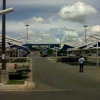 Foto tomada en Walmart por Edgar S. el 8/15/2012