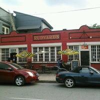 รูปภาพถ่ายที่ Rudyard's British Pub โดย Joel B. เมื่อ 5/25/2012
