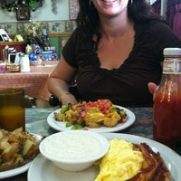 Photo taken at Nana's Breakfast and Lunch by Jenneh on 8/17/2012