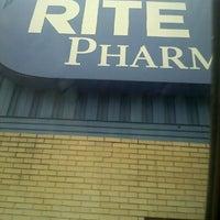 Photo prise au Rite Aid par Jime S. le3/1/2012