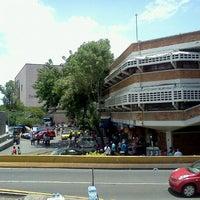 Foto tomada en Mercado Libertad San Juan de Dios por Adrián F. el 6/16/2012