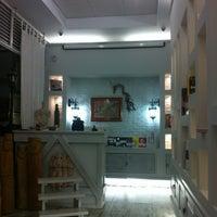 Das Foto wurde bei Gift Salon Studio27 von Алексей Ш. am 6/17/2012 aufgenommen