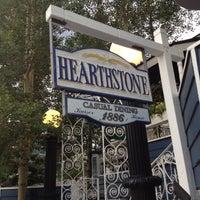 Foto tomada en Hearthstone Restaurant por Checker el 7/23/2012
