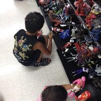 Photo taken at BOOKOFF SUPER BAZAAR 綱島樽町店 by Daisuke on 8/19/2012