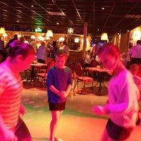 Photo taken at Party centrum de Flamingo by Arthur O. on 9/7/2012
