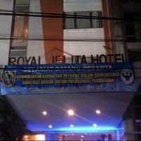 Photo taken at Royal Jelita Hotel by sandi a. on 7/11/2012