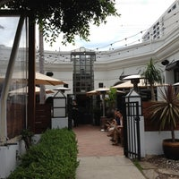 Foto scattata a Areal Restaurant da Vanessa B. il 8/16/2012
