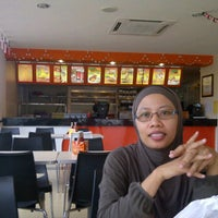Photo taken at Radix Fried Chicken by Hans A. on 5/29/2012