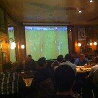 Das Foto wurde bei Yours Australian Bar von Mishutka O. am 2/14/2012 aufgenommen