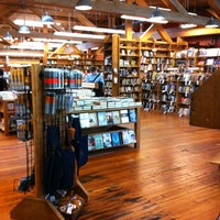 Photo prise au Elliott Bay Book Company par Grace le5/26/2012