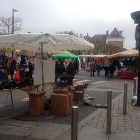 Photo taken at Marché de Draveil by Coralie on 3/11/2012