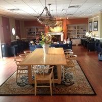 Photo taken at Wingtips Lounge by Vasek 🍉 on 8/15/2012