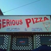 5/31/2012 tarihinde Zosziyaretçi tarafından Serious Pizza'de çekilen fotoğraf