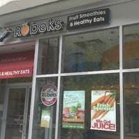 Photo taken at Robeks Fresh Juices & Smoothies by Phil R. on 7/12/2012