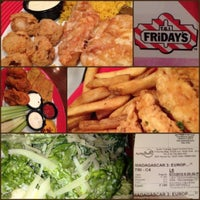 Photo taken at TGI Fridays by Di D. on 6/11/2012