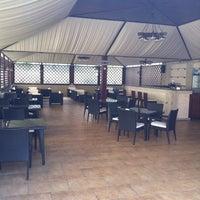 รูปภาพถ่ายที่ City Club Restaurant โดย Igor M. เมื่อ 4/13/2012