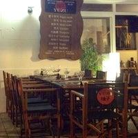 Foto tomada en Yuzu Restaurant-Japonès por Marcos A. el 8/18/2012
