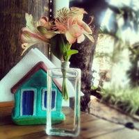Foto tirada no(a) Casa de Maria por aline b. em 3/22/2012