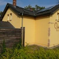 Das Foto wurde bei Carls Cafe und Bistro von Ilja F. G. am 8/21/2012 aufgenommen