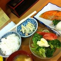 Photo taken at 丸長 by Yasushi T. on 8/9/2012