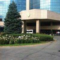 7/12/2012 tarihinde Александрziyaretçi tarafından InterContinental Almaty'de çekilen fotoğraf