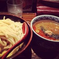 Photo taken at 三田製麺所 恵比寿南店 by Hiroshige U. on 2/22/2012